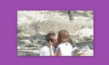 Ποια φιλάει με τόσο πάθος ο Κωνσταντίνος Μαρκουλάκης;