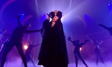 Video: Η Lady Gaga… αποκεφαλισμένη στο  X-Factor