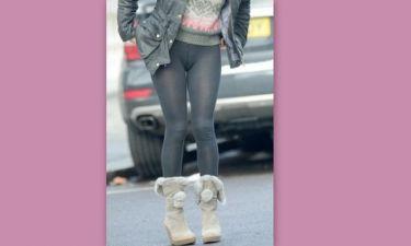 Οφθαλμόλουτρο: Σέξι ηθοποιός βγήκε βόλτα φορώντας μόνο το καλσόν της (Nassos blog)