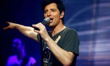 Σάκης Ρουβάς: Την επόμενη Κυριακή ετοιμάζεται να ξεσηκώσει τη Μύκονο με συναυλία του