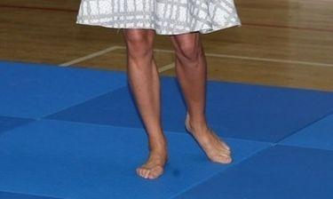 Ποια γαλαζοαίματη εμφανίστηκε ξυπόλητη κατά τη διάρκεια επίσημης εμφάνισης;