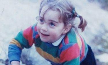 Μπορείτε να αναγνωρίσετε τη μικρή της φωτογραφίας;
