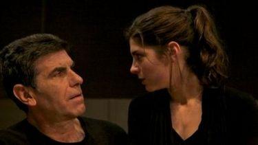 Γιάννης Μπέζος: «Η Ηρώ από την ώρα που θα μπούμε στο θέατρο δεν είναι η κόρη μου, αλλά η ηθοποιός που θα υποδυθεί την Αντιγόνη»