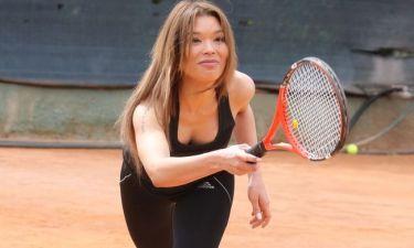 Μαθήματα… τένις για την Βάσω Βιλέγκας
