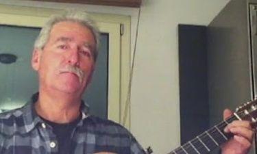 Ο πατριός της Ελένης Μενεγάκη ξανατραγουδά!
