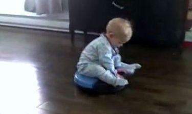 Βίντεο: Ο πιο νοικοκύρης μπόμπιρας του κόσμου!