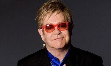 Ο Elton John «τα χώνει» στις  Miley Cyrus και Lady Gaga