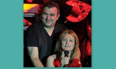 Τραγουδιστής «αδειάζει» Ρέμο- Θεοδωρίδου: Το κλείσιμο της πόρτας και τα δεκανίκια