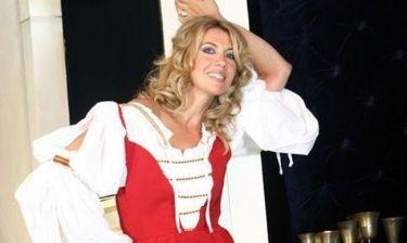 Πώς είναι σήμερα η Γιούλη Ηλιοπούλου και ποιες είναι οι σχέσεις της με την άλλοτε τηλεοπτική της αντίπαλο Αννίτα Πάνια;