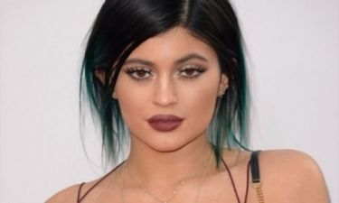 Ό,τι χειρότερο έχουμε δει: Δείτε τι φόρεσε η Kylie Jenner και ξεκαρδιστείτε άφοβα!