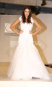 Επίδειξη μόδας από τα μοντέλα της Κρίστι Κρανά