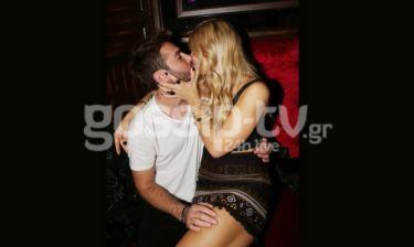 «Get a room»… Είδαν τους φωτογράφους και άρχισαν τα φιλιά
