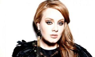 Η αποστομωτική απάντηση της Adele στην ερώτηση αν θα έκανε ποτέ γυμνή φωτογράφιση