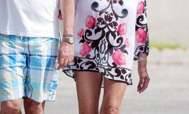 Είστε έτοιμοι γι αυτό που θα δείτε; Έβαλε mini στα 82 της χρόνια