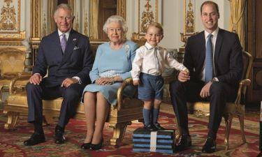 Ο πρίγκιπας George ανέβηκε πάνω σε τέσσερα βιβλία και έκλεψε τις εντυπώσεις