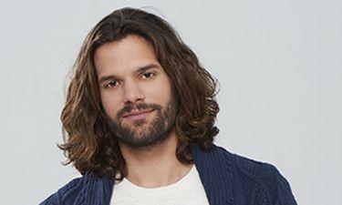 Νικόλας Μπράβος: «Η δουλειά του ηθοποιού θέλει πειθαρχία»