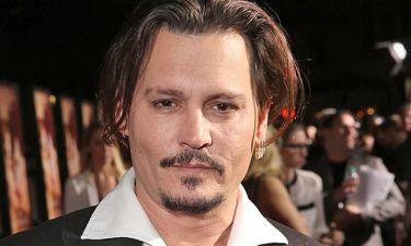 Johnny Depp: Προσφέρει εκατοντάδες εκατομμύρια ευρώ για να αγοράσει τη νήσο Κορωνίδα