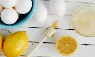 Καταπολεμίστε την ακμή και τα σημάδια της με μια σπιτική μάσκα από αβγό, λεμόνι και μέλι!