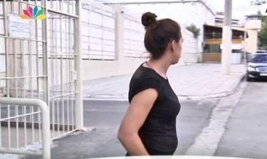 Αγνώριστη η μητέρα της Άννυ- Δείτε την στην στιγμή της αποφυλάκισης