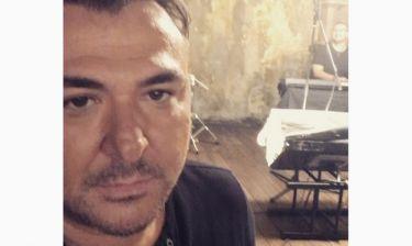 Ο Αντώνης Ρέμος μας βάζει στα γυρίσματα του νέου του videoclip