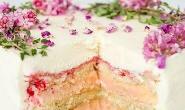 Το πιο έξυπνο τρικ για να μην ξεραίνεται το κέικ σου