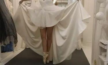 Φόρεσε τις πουέντ και μας εντυπωσίασε με τον χορό της η...
