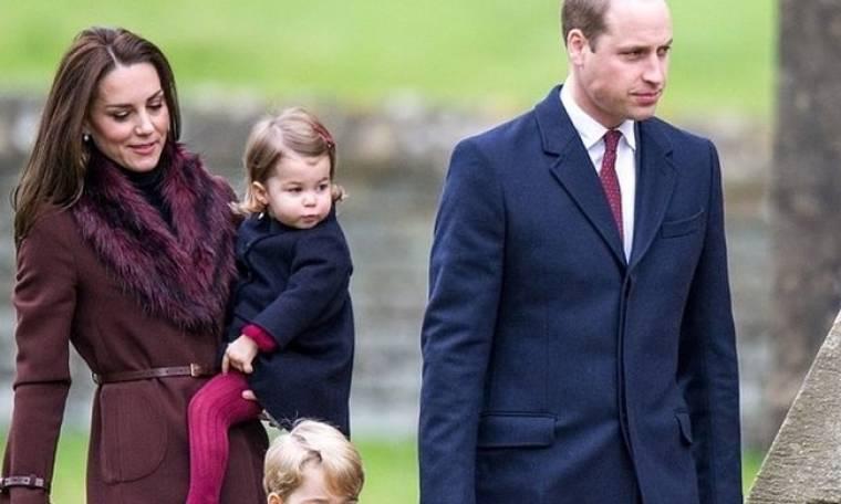 Ο πρίγκιπας George και η πριγκίπισσα Charlotte έκλεψαν την παράσταση με μία εμφάνιση τους