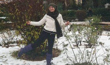 H Φιλίτσα Καλογεράκου ποζάρει στην χιονισμένη Κηφισιά