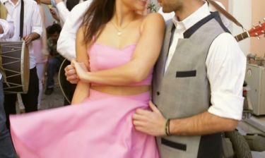 Γνωστός τραγουδιστής έκανε πρόταση γάμου στην καλή του με τον πιο ιδιαίτερο τρόπο