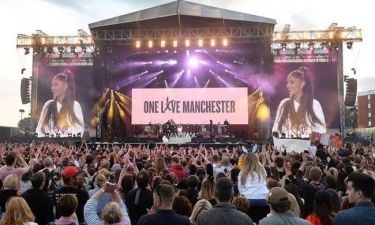 «One Love Manchester»: Μια συναυλία γεμάτη συγκίνηση (pics&vid)