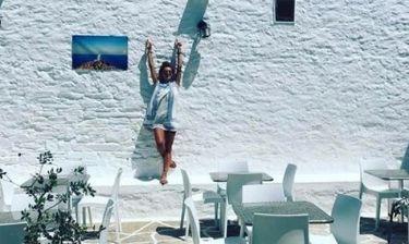 Ελένη Τσολάκη: Η πρώτη φωτογραφία της με μαγιό στην παραλία και χωρίς φίλτρα
