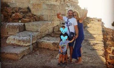 Η οικογένεια Γκουντάρα στο ναό του Ποσειδώνα στο Σούνιο