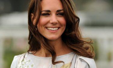 Η Kate Middleton μας δείχνει την φουσκωμένη της κοιλίτσα, όντας πιο στυλάτη από ποτέ