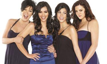 Αυτές είναι οι Kardashians: Η Κόρτνεϊ δέχεται να κάνει μια ειδική φωτογράφιση γυμνή