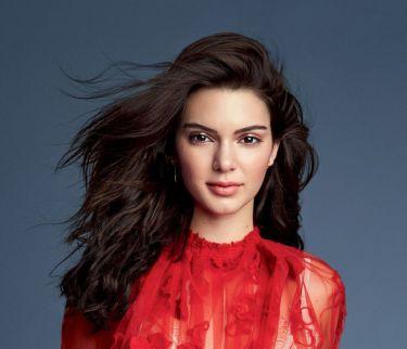 Πώς αντιμετωπίζει η Kendall Jenner την ακμή; Tips από την δερματολόγο της