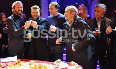 Οι «Γοργόνες και μάγκες» κόψανε την πρωτοχρονιάτικη πίτα τους