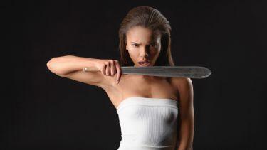 6 «φάουλ» που κάνουμε στις γυναίκες και τις βγάζουμε εκτός εαυτού