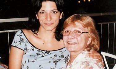 Αθηνά Ρηγοπούλου: «Η μαμά δεν το κατάφερε και ακούγονταν πολλά τότε και την πλήγωναν πάρα πολύ»