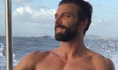 Θοδωρής Θεοδωρόπουλος: Απολαμβάνει τη θάλασσα