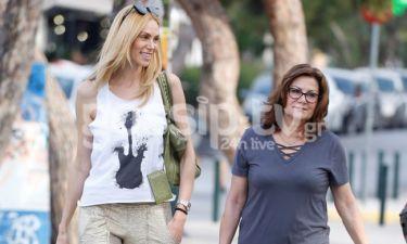 Στέλλα Δημητρίου: Βόλτα με την μητέρα της