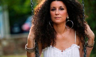 20 Έλληνες stand-up comedians στηρίζουν την Κατερίνα Βρανά