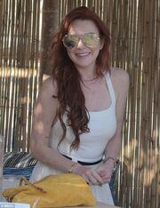 Η Lindsay Lohan στη Μύκονο για το opening του μαγαζιού της
