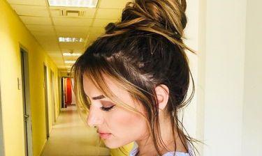 Ελένη Τσολάκη: Κάνε κότσο τα μαλλιά σου να φανεί η αρχοντιά σου