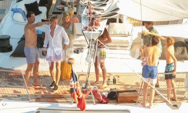 Οι απίστευτες διακοπές της Τέως βασιλικής οικογένειας στην Μύκονο
