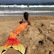 Η Σταματίνα Τσιμτσιλή φωτογράφισε τις «γοργόνες» της στην παραλία