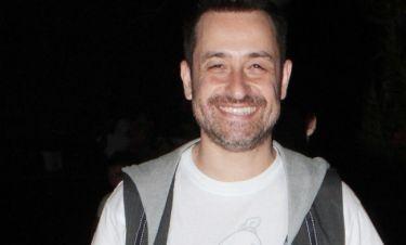 Θέμης Γεωργαντάς: Τέλος στα ρετούς! Δείτε πως κρύβει την κοιλιά του στις φωτό με μαγιό