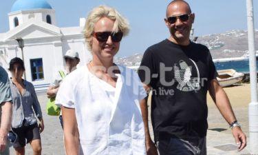Ορσαλία Παρθένη: Βόλτες στην Μύκονο με τον σύζυγό της