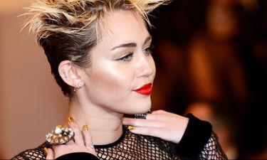 Ποια και γιατί κατηγορεί την Miley Cyrus;