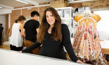 Μαίρη Κατράντζου: Δείτε σε ποια γυναίκα αφιέρωσε την επίδειξη μόδας που έκανε