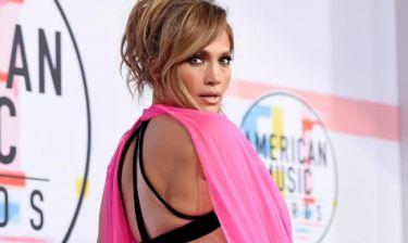 10 φορές που η Jennifer Lopez πόζαρε με την κυτταρίτιδά της και μας έκανε να την παραδεχτούμε